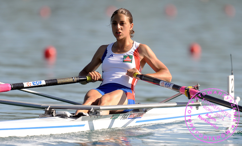ELISE MAURIN (FRANCE) COMPETES AT WOMEN'S LIGHTWEIGHT SINGE SCULLS HEAT DURING DAY 1 FISA ROWING WORLD CUP ON ESTANY LAKE IN BANYOLES, SPAIN...BANYOLES , SPAIN , MAY 29, 2009..( PHOTO BY ADAM NURKIEWICZ / MEDIASPORT )..PICTURE ALSO AVAIBLE IN RAW OR TIFF FORMAT ON SPECIAL REQUEST.
