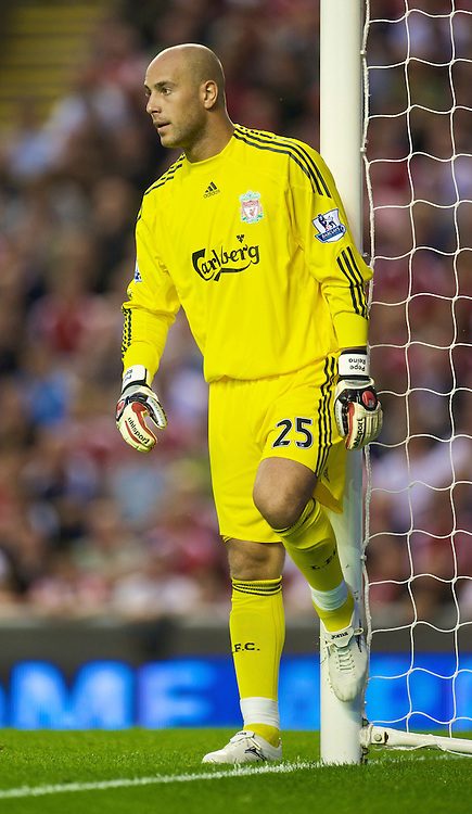 LIVERPOOL, ENGLAND - Wednesday, August 19, 2009: Liverpool's goalkeeper Pepe Reina in action against Stoke City during the Premiership match at Anfield. (Pic by: David Rawcliffe/Propaganda)