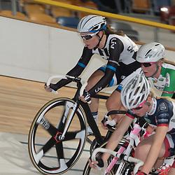 28-12-2014: Wielrennen: NK Baanwielrennen: Apeldoorn Amy Pieters (bovenin) moest genoegen nemen met zilver