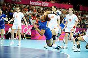 DESCRIZIONE : Handball Jeux Olympiques Londres Quart de Finale<br /> GIOCATORE : Kanto Nina FRA<br /> SQUADRA : France Femme<br /> EVENTO : FRANCE Handball Jeux Olympiques<br /> GARA : France Montenegro<br /> DATA : 08 08 2012<br /> CATEGORIA : handball Jeux Olympiques<br /> SPORT : HANDBALL<br /> AUTORE : JF Molliere <br /> Galleria : France JEUX OLYMPIQUES 2012 Action<br /> Fotonotizia : France Handball Femme Jeux Olympiques Londres Quart de Finale Copper Box<br /> Predefinita :