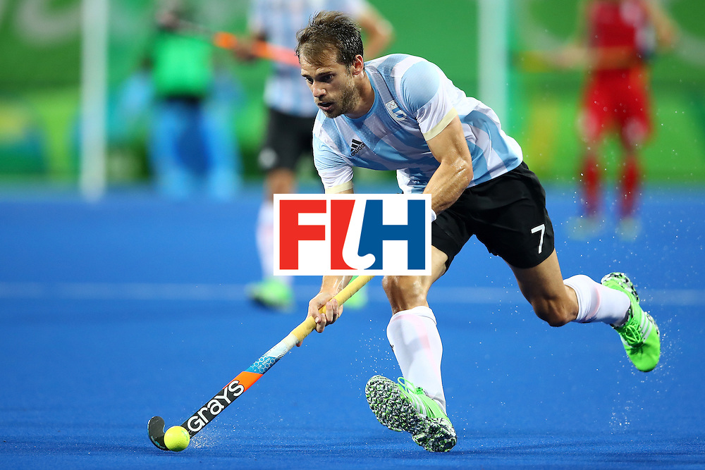 RIO DE JANEIRO, BRAZIL - AUGUST 18:  Facundo Callioni #7 of Argentina during the Men's Hockey Gold Medal match between Belgium and Argentina on Day 13 of the Rio 2016 Olympic Games at Olympic Hockey Centre on August 18, 2016 in Rio de Janeiro, Brazil.  (Photo by Clive Brunskill/Getty Images)