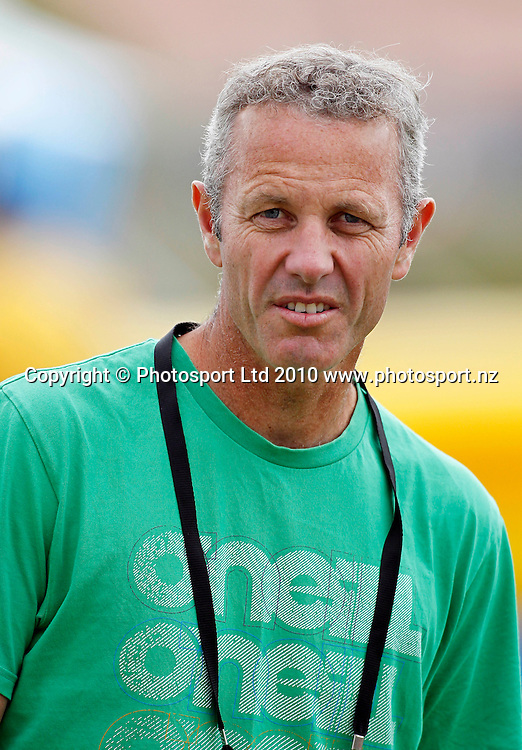 Sky presentor Mark Richardson. Twenty20 Cricket - HRV Cup, Auckland Aces v Central Stags, at Colin Maiden Park, Auckland, Friday 03 December 2010. Photo: Simon Watts/photosport.co.nz
