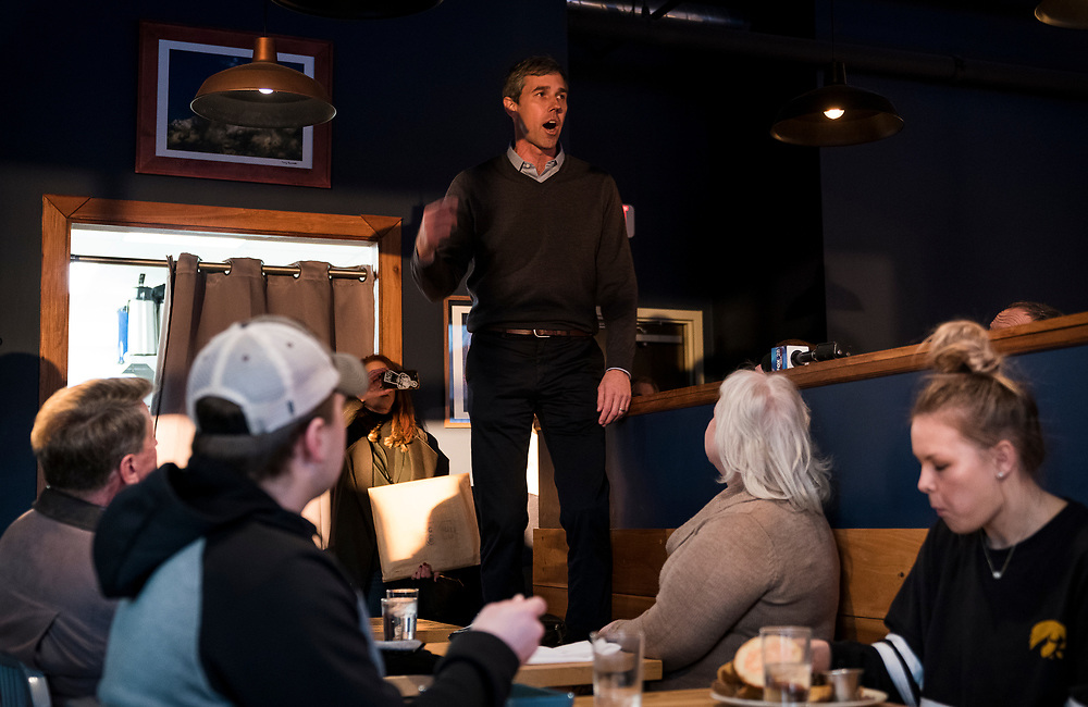 Democratic 2020 presidential candidate Beto O'Rourke, 46, speaks with supporters during a three day road trip across Iowa, in Cedar Rapids, Iowa, U.S., March 15, 2019.  REUTERS/Ben Brewer