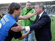 18-05-2008 Voetbal:ADO DEN HAAG:RKC Waalwijk:Waalwijk<br /> Wiljam Vloet wordt door RKC uitblinker Martijn Reuser gefeliciteerd<br /> Foto: Geert van Erven