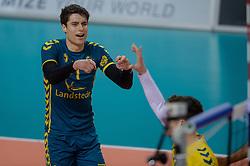 21-02-2016 NED: Bekerfinale Abiant Lycurgus - Landstede Volleybal, Almere<br /> Lycurgus viert een feestje als zij de Nationale beker winnen door Landstede Volleybal met 3-1 te verslaan / Frits van Gestel #1