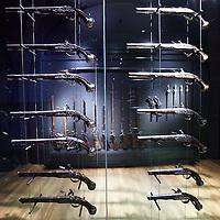Nederland, Amsterdam , 20 maart 2013..Het gerenoveerde Rijksmuseum ..Op de foto de zaal met verzameling vuurwapens uit de 14e en 15e eeuw..Foto:Jean-Pierre Jans