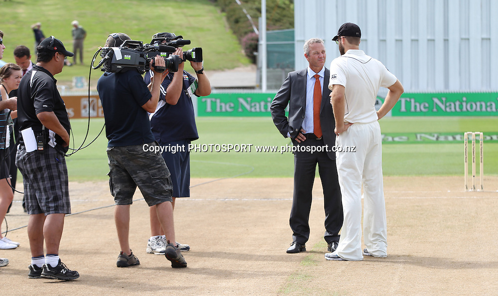 New Zealand Black Caps v Pakistan, Test Match Cricket. Day 1 at Seddon Park, Hamilton, New Zealand. Friday 7 December 2010. Photo: Andrew Cornaga/photosport.co.nz