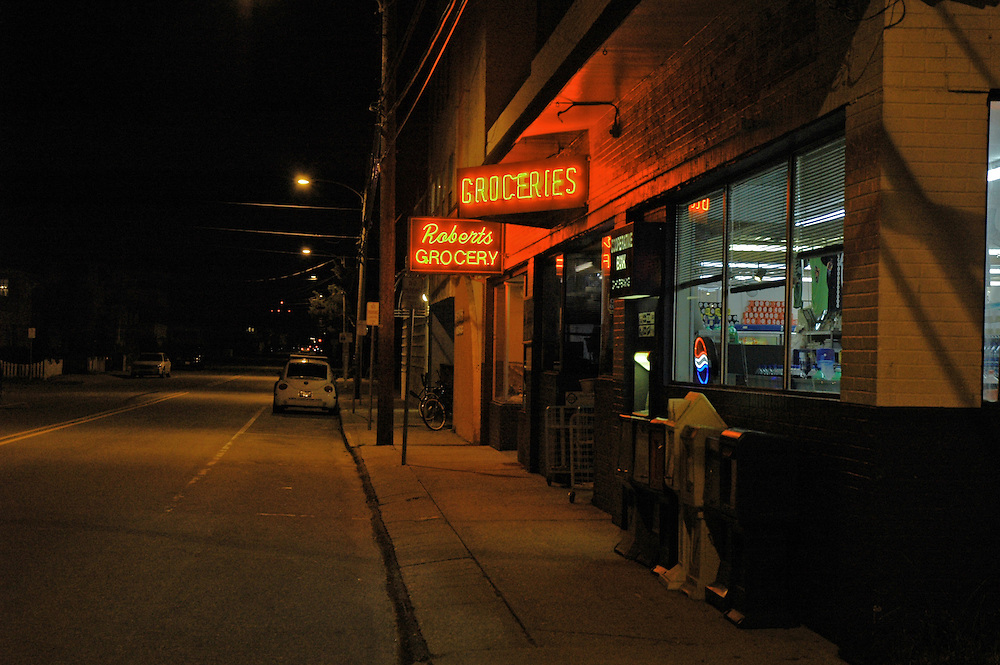 Roberts Grocery at Night