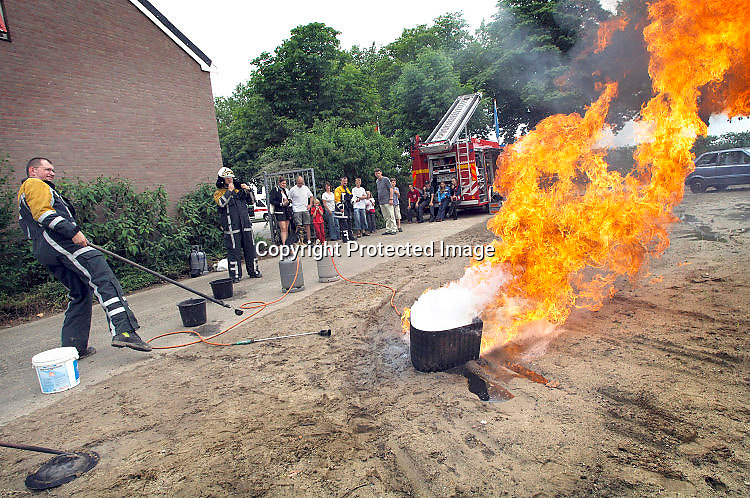 Beuningen, 2-7-2015Vlam in de pan op de gemeentewerfFoto: Flip Franssen