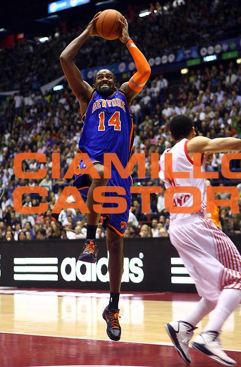 DESCRIZIONE :  Milano NBA EUROPE LIVE TOUR 2010  ARMANI JEANS MILANO NEW YORK KNICKS<br /><br />GIOCATORE :  Ronny Turiaf<br /><br />SQUADRA : New York Knicks<br /><br />EVENTO : :  NBA EUROPE LIVE TOUR 2010  ARMANI JEANS MILANO NEW YORK KNICKS<br /><br /><br />GARA : ARMANI JEANS  MILANO NEW YORK KNICKS<br /><br />DATA : 03/10/2010<br /><br />CATEGORIA : Tiro<br /><br />SPORT : Pallacanestro<br /><br />AUTORE : Agenzia Ciamillo-Castoria/F.Zovadelli<br /><br />GALLERIA : NBA EUROPE LIVE TOUR 2010<br /><br />FOTONOTIZIA : :  NBA EUROPE LIVE TOUR 2010  ARMANI JEANS MILANO NEW YORK KNICKS<br /><br />PREDEFINITA :