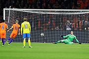 AMSTERDAM, NEDERL&Auml;NDERNA - 2017-10-10: Arjen Robben i Nederl&auml;nderna g&ouml;r 1-0 p&aring; straff under FIFA 2018 World Cup Qualifier mellan Nederl&auml;nderna och Sverige p&aring; Amsterdam ArenA den 10 oktober, 2017 i Amsterdam, Nederl&auml;nderna. <br /> Foto: Nils Petter Nilsson/Ombrello<br /> ***BETALBILD***
