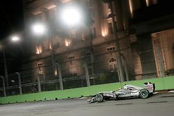 Motorsports / Formula 1: World Championship 2010, GP of Singapore, 04 Nico Rosberg (GER, Mercedes GP Petronas),  town hall, Rathaus