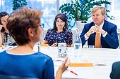 Koning bezoekt Taal Doet Meer, winnaar Appeltje van Oranje