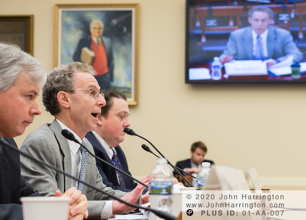 Dan Reicher testifies before the Joint Energy Subcommittee and Oversight Subcommittee Hearing- Risky Business: The DOE Loan Guarantee Program.