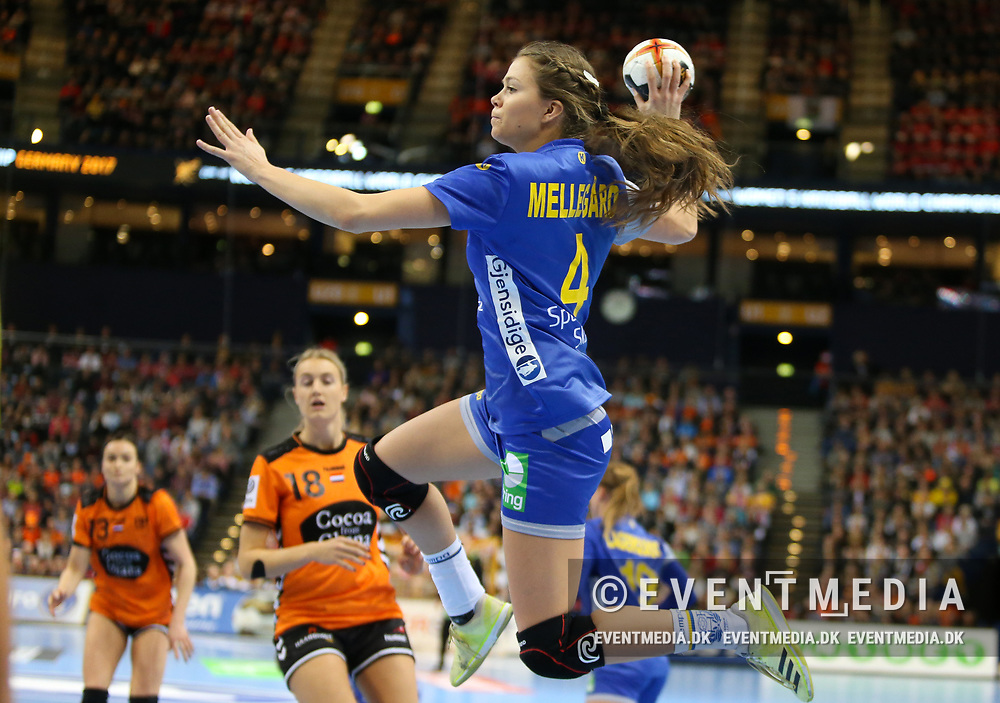 Olivia Mellegaard (#4, Sweden). Bronze medal match between Sweden and Netherlands at the 2017 IHF Women's World Championship in Barclaycard Arena, Hamburg, Germany, 17.12.2017. Photo Credit: Allan Jensen/EVENTMEDIA.