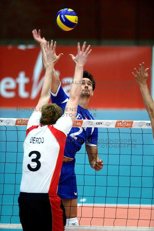 17-05-2013 VOLLEYBAL: BELGIE - NEDERLAND: KORTRIJK<br /> Nederland wint de eerste oefenwedstrijd met 3-0 van Belgie / Wytze Kooistra<br /> ©2013-FotoHoogendoorn.nl