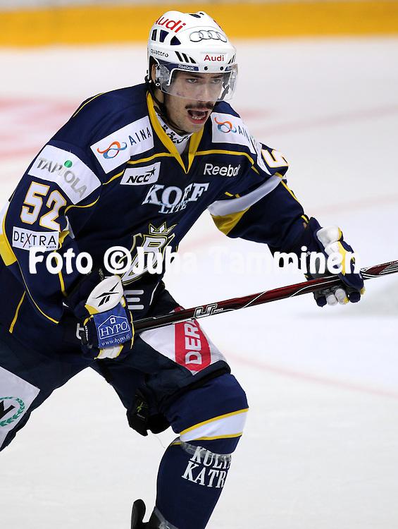 25.09.2010, Barona Areena, Espoo..J??kiekon SM-liiga 2010-11..Blues - K?rp?t..Camilo Miettinen - Blues.©Juha Tamminen.