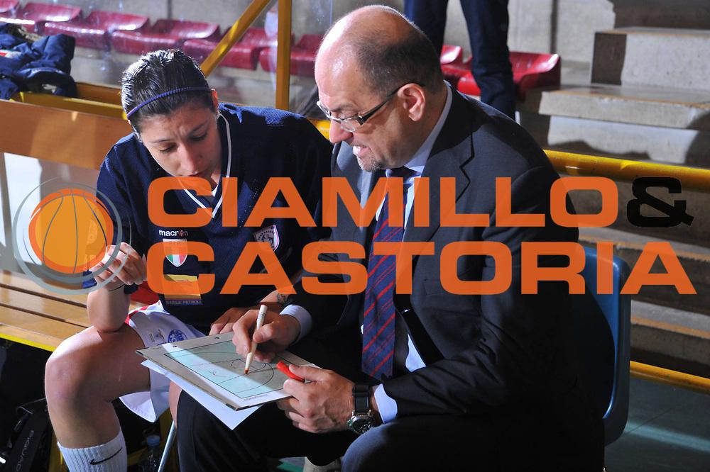 DESCRIZIONE : Schio Lega A1 Femminile 2009-10 Play Off Finale Gara 1 Famila Wuber Schio Cras Basket Taranto<br /> GIOCATORE : Roberto Ricchini Coach<br /> SQUADRA : Famila Wuber Schio Cras Basket Taranto<br /> EVENTO : Campionato Lega A1 Femminile 2009-2010<br /> GARA : Famila Wuber Schio Cras Basket Taranto<br /> DATA : 05/05/2010<br /> CATEGORIA : Ritratto<br /> SPORT : Pallacanestro<br /> AUTORE : Agenzia Ciamillo-Castoria/M.Gregolin<br /> Galleria : Lega Basket Femminile 2009-2010<br /> Fotonotizia : Schio Campionato Italiano Femminile Lega A1 2009-2010 Play Off Finale Gara 1 Famila Wuber Schio Cras Basket Taranto<br /> Predefinita :
