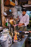 Inde, Delhi, vieux Delhi, maison de thé dans le quartier musulman // India, Delhi, Old Delhi, tea house in the old city