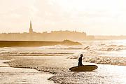 Saint-Malo surf, plage du sillon