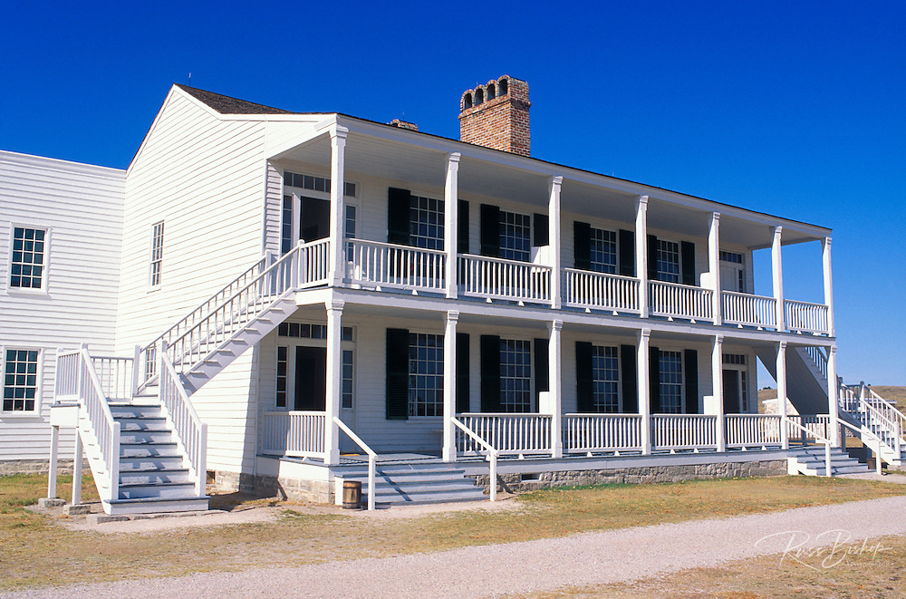 """The colonial style officer's residence at Fort Laramie known as """"Old Bedlam"""", Fort Laramie National Historic Site, Wyoming"""