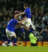 Fotball - Premier League - 18.01.2003<br /> Everton v Sunderland<br /> Brian McBride og David Unsworth - Everton<br /> Foto: Aidan Ellis, Digitalsport