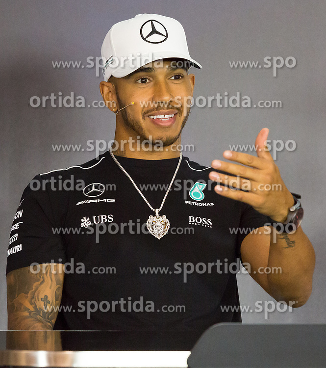 06.07.2017, Red Bull Ring, Spielberg, AUT, FIA, Formel 1, Grosser Preis von Österreich, Vorberichte, im Bild Lewis Hamilton (GBR) Mercedes AMG Petronas F1 Team // British Formula One driver Lewis Hamilton of Mercedes AMG F1 during preperation for the Austrian FIA Formula One Grand Prix at the Red Bull Ring in Spielberg, Azerbaijan on 2017/07/06. EXPA Pictures © 2017, PhotoCredit: EXPA/ Dominik Angerer