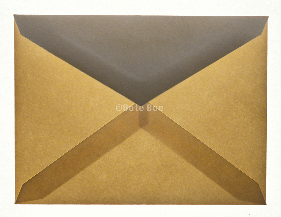 Closed translucent envelope