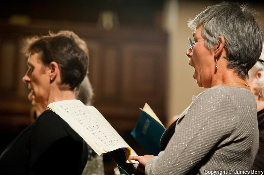 Vivaldi's Angels. Spitalfields Church. Tuesday 18 December 2012.