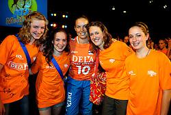10-05-2008 VOLLEYBAL: DELA MEIDENDAG: APELDOORN<br /> Zo n 1500 meisjes woonden de teampresentatie van het Nederlands vrouwenvolleybalteam bij. De DELA meidendag werd weer een groot succes - Janneke van Tienen<br /> ©2008-WWW.FOTOHOOGENDOORN.NL