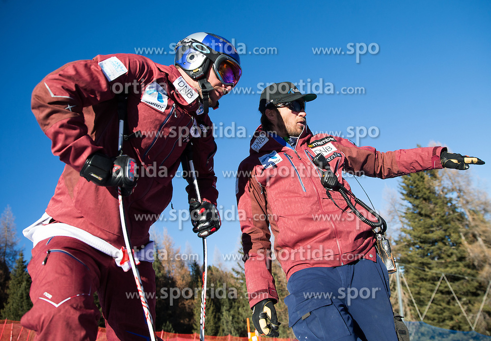 26.12.2015, Deborah Compagnoni Rennstrecke, Santa Caterina, ITA, FIS Ski Weltcup, Santa Caterina, Abfahrt, Herren, 1. Training, Streckenbesichtigung, im Bild v.l. Aksel Lund Svindal (NOR), Christian Mitter (Herren Cheftrainer Norwegen) // Aksel Lund Svindal of Norway ( L ) and Norwegian men's head coach Christian Mitter ( R ) during the course inspection of 1st practice run of men's Downhill of the Santa Caterina FIS Ski Alpine World Cup at the Deborah Compagnoni Course in Santa Caterina, Italy on 2015/12/26. EXPA Pictures © 2015, PhotoCredit: EXPA/ Johann Groder