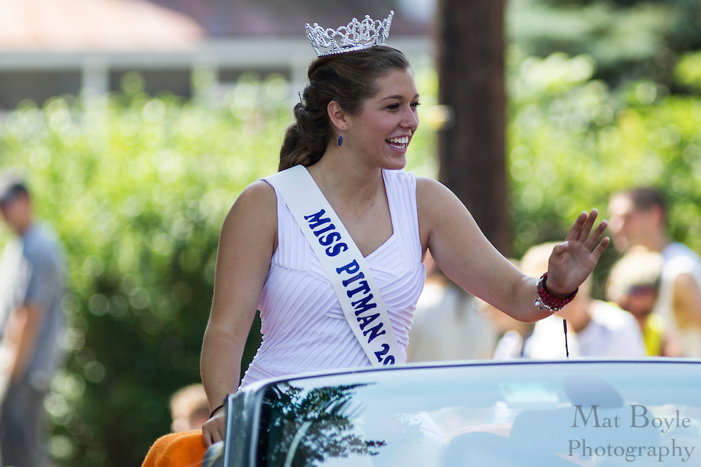 Miss Pitman 2012 & Miss Congeniality Karlie Elaine Crispin: Pitman 4th of July Parade down Broadway in Pitman NJ on Wednesday July 4, 2012. (photo / Mat Boyle)