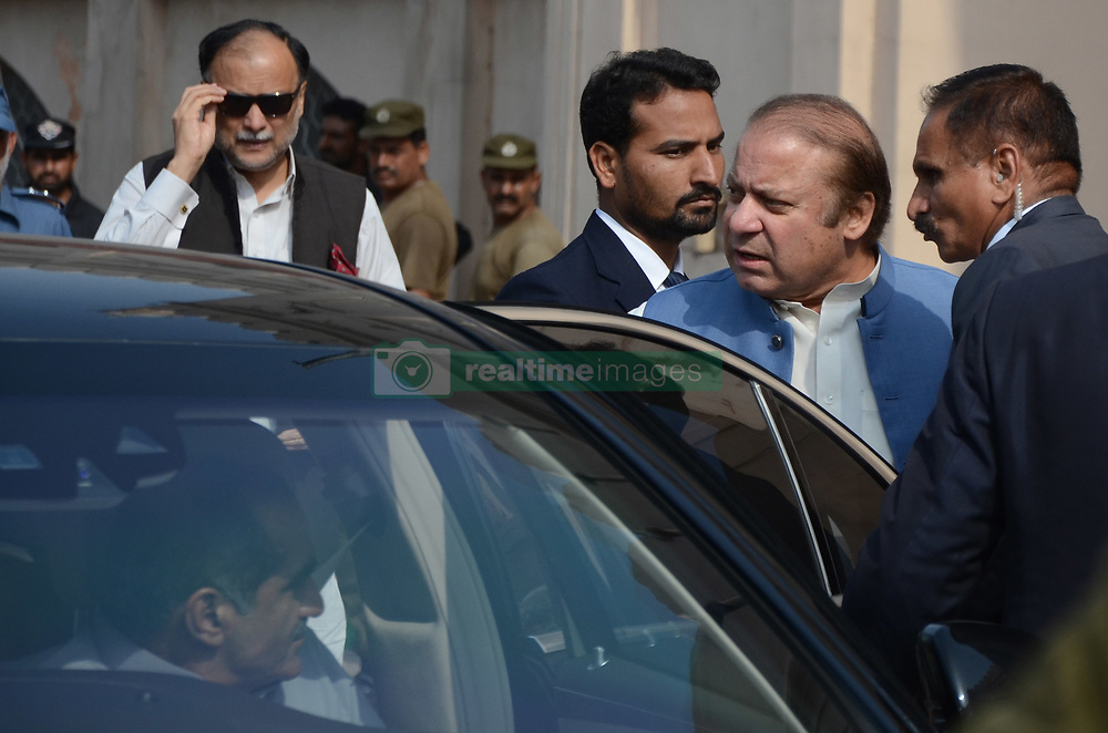 August 15, 2017 - Lahore, Punjab, Pakistan - Pakistani ousted prime minister Nawaz Sharif speaks with media representatives at the tomb of Pakistan's national poet Allama Mohammad Iqbal to mark the country's Independence Day in Lahore on August 14, 2017. Pakistan celebrated 70 years of independence from British India with a brazen flag raising ceremony at its eastern border and an air force display, as the military's top brass vowed to wipe out terrorists days after a deadly blast. (Credit Image: © Rana Sajid Hussain/Pacific Press via ZUMA Wire)