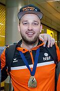 Aankomst wereldkampioen Bowlen Xander van Mazijk op Schiphol