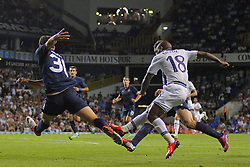 29.08.2013, White Hart Lane, London, ENG, UEFA CL Qualifikation, Tottenham Hotspur vs FC Dinamo Tiflis, Rueckspiel, im Bild Tottenham's Jermain Defoe takes a shot at goal during the UEFA Europa League Qualifier second leg match between Tottenham Hotspur and FC Dinamo Tiflis Zuerich at the White Hart Lane in London, England on 2013/08/29 . EXPA Pictures © 2013, PhotoCredit: EXPA/ Mitchell Gunn <br /> <br /> ***** ATTENTION - OUT OF GBR *****