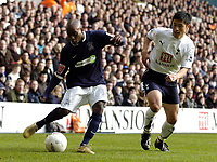 Photo: Olly Greenwood.<br />Tottenham Hotspur v Southend United. The FA Cup. 27/01/2007. Spurs Young Pyo-Lee and Southend's Jamal Campbell-Ryce