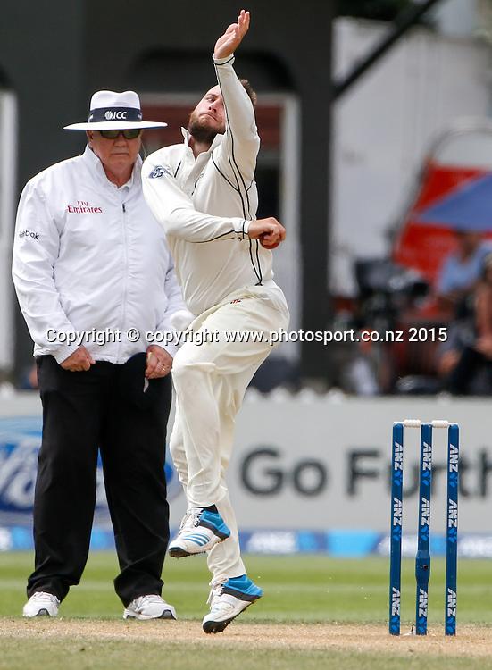 Mark Craig bowls. Fifth day, second test, ANZ Cricket Test series, New Zealand Black Caps v Sri Lanka, 07 January 2015, Basin Reserve, Wellington, New Zealand. Photo: John Cowpland / www.photosport.co.nz