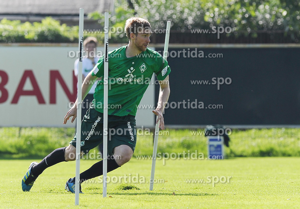 23.08.2011, Trainingsgelaende, Bremen, GER, 1.FBL, Training Werder Bremen, im Bild Per Mertesacker (Bremen #29)..// during training session of Werder Bremen on 2011/08/23, Trainingsgelaende, Bremen, Germany..EXPA Pictures © 2011, PhotoCredit: EXPA/ nph/  Frisch       ****** out of GER / CRO  / BEL ******