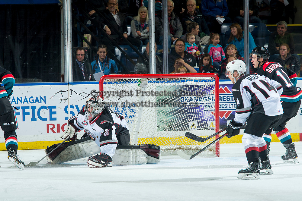 KELOWNA, CANADA - OCTOBER 3:  Trent Miner #31 of the Vancouver Giants makes a first period save against the Kelowna Rockets on October 3, 2018 at Prospera Place in Kelowna, British Columbia, Canada.  (Photo by Marissa Baecker/Shoot the Breeze)  *** Local Caption ***