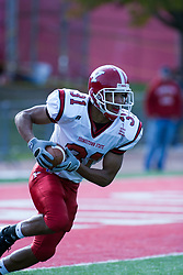 28 October 2006: Da'Michael Horne heads up the field after catching a kick off. Youngstown State turned off over 15,000 fans as the win blew their way, cooling off Illinois State 27-13. Nationally ranked teams Youngstown State Penguins and Illinois State Redbirds competed at Hancock Stadium on the campus of Illinois State University in Normal Illinois.<br />