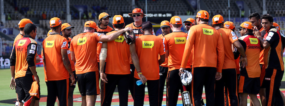 Sunrisers Hyderabad form a huddle before the match 41 of the Pepsi IPL 2015 (Indian Premier League) between The Rajasthan Royals and The Sunrisers Hyderabad held at the Brabourne Stadium in Mumbai, India on the 7th May 2015.<br /> <br /> Photo by:  Sandeep Shetty / SPORTZPICS / IPL
