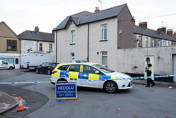 © Licensed to London News Pictures.  20/09/2017; Newport, Gwent, South Wales, UK. Police have closed off streets in Newport and are searching a property in Jeffrey Street, after a third man was arrested on 19 September over last week's Tube attack in Parsons Green. The 25-year-old was arrested in Newport, south Wales, on Tuesday evening, Scotland Yard said. Picture credit : Simon Chapman/LNP