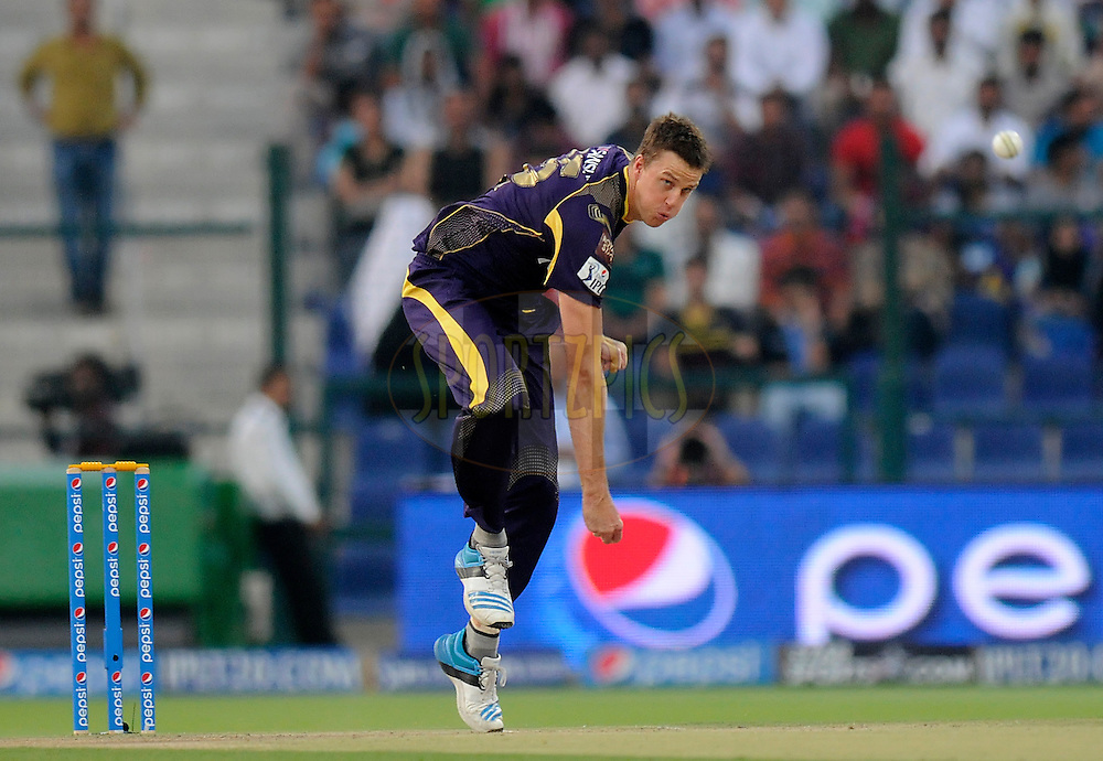 Morne Morkel of the Kolkata Knight Riders bowls during match 19 of the Pepsi Indian Premier League 2014 Season between The Kolkata Knight Riders and the Rajasthan Royals held at the Sheikh Zayed Stadium, Abu Dhabi, United Arab Emirates on the 29th April 2014<br /> <br /> Photo by Pal Pillai / IPL / SPORTZPICS