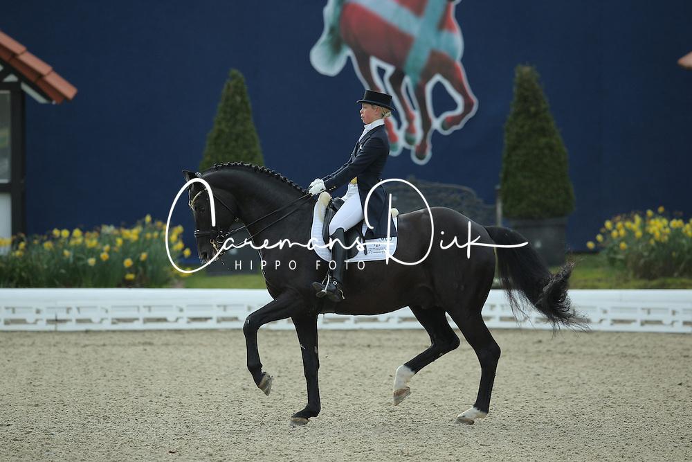 Nilshagen Therese, (SWE), Dante Weltino Old<br /> Qualification Grand Prix Kur<br /> Horses & Dreams meets Denmark - Hagen 2016<br /> © Hippo Foto - Stefan Lafrentz