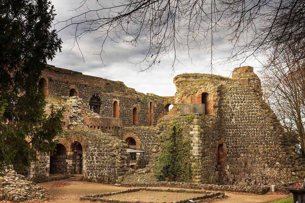 Ruine der Kaiserpfalz, Düsseldorf Kaiserswerth, Deutschland