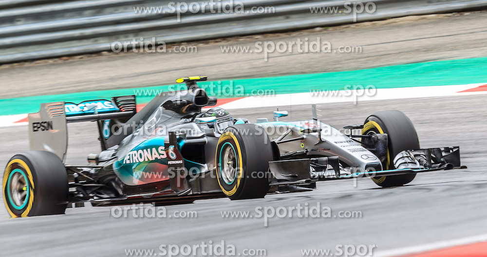 19.06.2015, Red Bull Ring, Spielberg, AUT, FIA, Formel 1, Grosser Preis von Österreich, Training, im Bild Nico Rosberg, (GER, Mercedes AMG Petronas F1 Team) // during the Practice of the Austrian Formula One Grand Prix at the Red Bull Ring in Spielberg, Austria, 2015/06/19, EXPA Pictures © 2014, PhotoCredit: EXPA/ JFK
