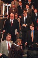 06.10.1998, Germany/Bonn:<br /> Helmut Kohl, CDU, Bundeskanzler, und Peter Hintze, CDU Generalsekretär, auf dem Weg zur Pressekonferenz nach der Sitzung des Bundesvorstandes, Konrad-Adenauer-Haus<br /> IMAGE: 19981006-03/01-19