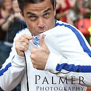 Robbie Williams Soccer Aid 2014