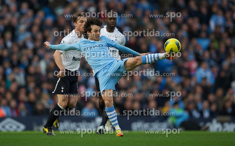 22.01.2012, Etihad Stadion, Manchester, ENG, PL, Manchester City vs Tottenham Hotspur, 22. Spieltag, im Bild Manchester City's David Silva in action against Tottenham Hotspur during the football match of English premier league, 22th round, between Manchester City and Tottenham Hotspur at Etihad Stadium, Manchester, United Kingdom on 2012/01/22. EXPA Pictures © 2012, PhotoCredit: EXPA/ Propagandaphoto/ David Rawcliff..***** ATTENTION - OUT OF ENG, GBR, UK *****