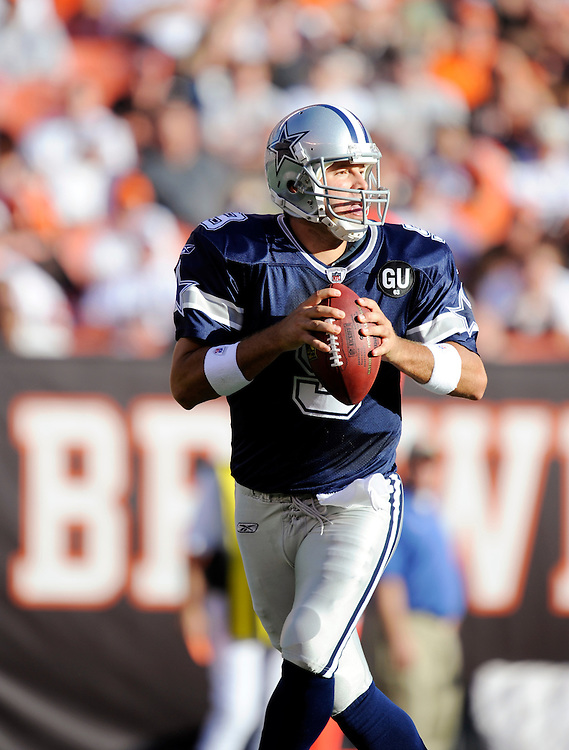 CLEVELAND - SEPTEMBER 07: Tony Romo #9 of the Dallas Cowboys drops back to pass against the Cleveland Browns at Cleveland Browns Stadium on September 7, 2008 in Cleveland, Ohio. The Cowboys defeated the Browns 28 to 10.  *** Local Caption *** Tony Romo